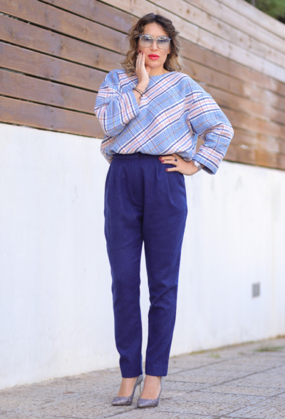 womens navy blue straight wool trousers image